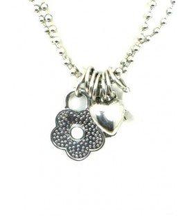 Zilver met witte halsketting met verschillende bedels