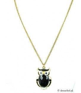 Goudkleurige halsketting met hanger in de vorm van een uiltje