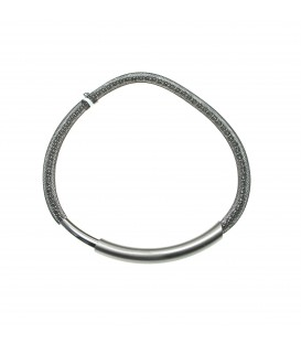 Zilvergrijze mash halsketting met magneet sluiting
