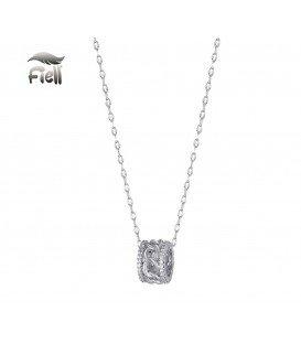 Zilverkleurige korte halsketting met ronde hanger en strasssteentjes