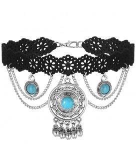 trendy zwarte choker met zilverkleurige ornamenten en blauwe stenen