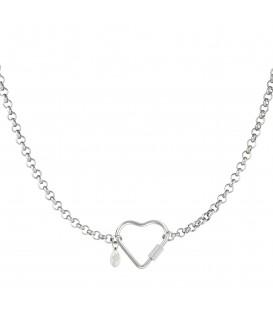 zilverkleurige halsketting met grote hartvormige sluiting